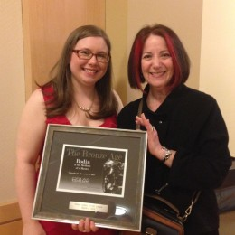 OSilas Gallery Manager Shanley Hanlon and Cantor Foundation Executive Director Judith Sobol with the STAR Award
