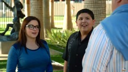 Ariel Winter (Alix) and Rico Rodriguez (Manny)